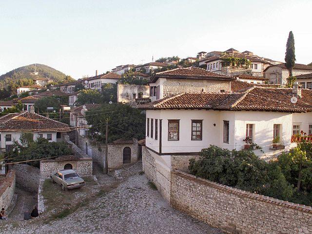 Old_town_of_berat_albania_3.jpg
